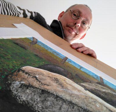 Harry Wibier en een aquarel van D51 Noord Sleen